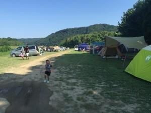 お盆休み中のキャンプサイトの様子🎵